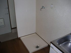 http://image.rentersnet.jp/0017f787a0cef9c170926318886ad1d6_property_picture_1991_large.jpg_cap_洗濯機置き場