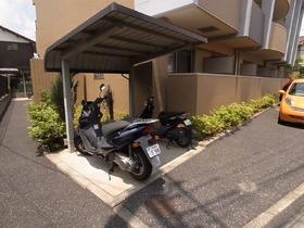 バイクも置ける広さがあります♪