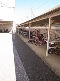 自転車置き場もたくさん!