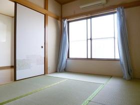落ち着いた和室です。