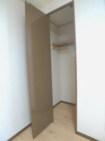 パレスロイヤル 201号室