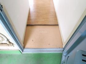 玄関前はこのようになっております☆彡