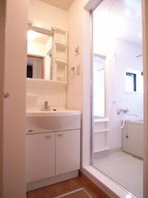 この家賃で洗面台もちゃんとしてるのです。