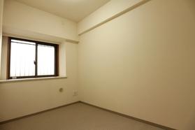 ドルフ 403号室