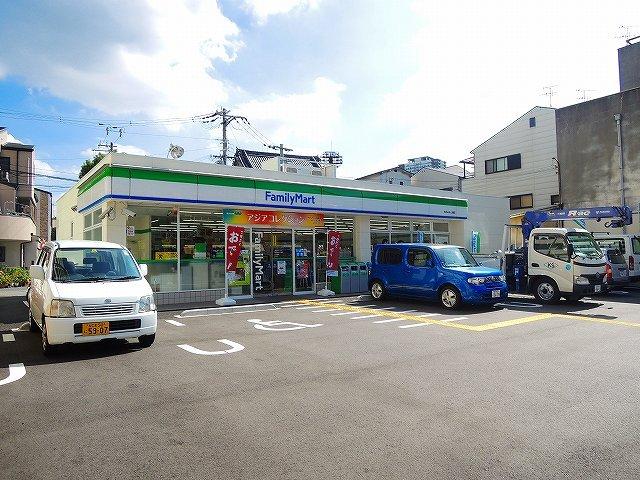 ファミリーマート本田みなと通店