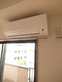 もちろんエアコン付きです!