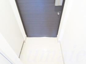 ダブルロックの玄関ドアです☆