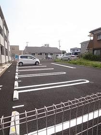 駐車スペースもございます☆