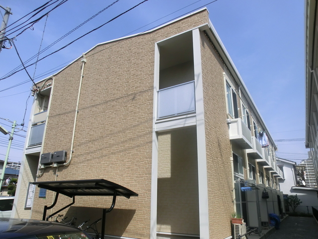 2010年築のきれいな建物です☆