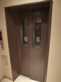 エレベーター付きですよ!