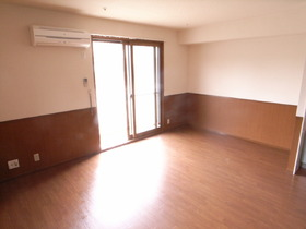 まだ築も浅いので、お部屋はかなり綺麗ですよ!