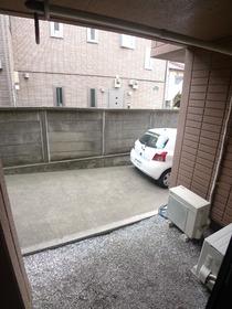 ゼファーユ 101号室
