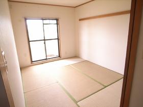 日本人ならやっぱり和室。