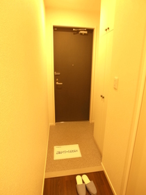 玄関も広々