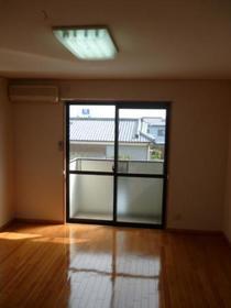 http://image.rentersnet.jp/0fe812e7-c174-4216-a377-2f61f7d03e1f_property_picture_2419_large.jpg_cap_居室