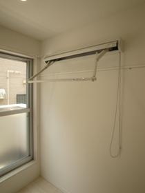 出し入れ簡単な室内物干し!これはかなり便利です!