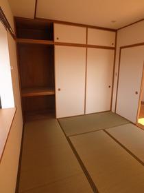 日本人なら和室です