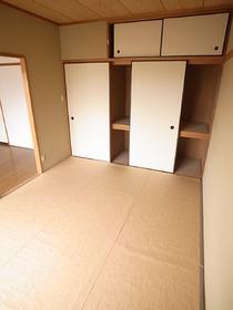 和室には収納1間分あります