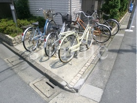 敷地内サイクルパーク。
