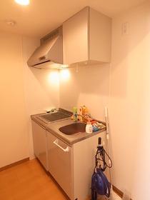 キッチンは2口システムキッチン!IHコンロです。