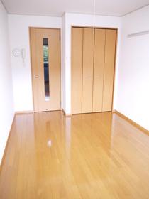 http://image.rentersnet.jp/16bda0ec-e7dd-4e39-8346-6af84f7d7bed_property_picture_2419_large.jpg_cap_居室