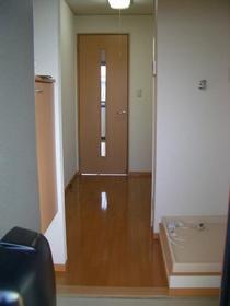 http://image.rentersnet.jp/176fb9e44e72efae0f36ac0593d70f50_property_picture_2419_large.jpg_cap_玄関