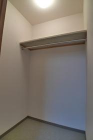 ドルフ 701号室