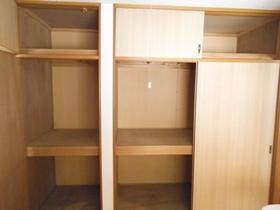 収納スペースはこのようたっぷり入ります。