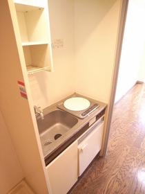 ミニ冷蔵庫付きのIHタイプのキッチン☆