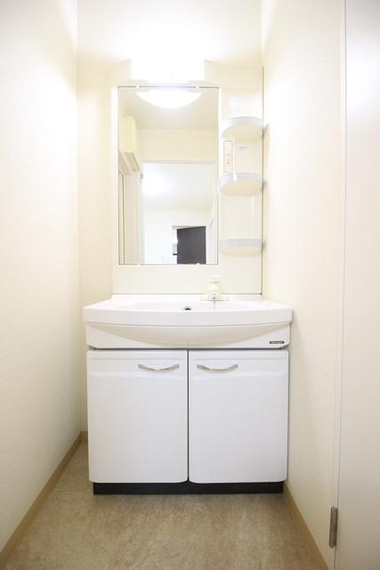 洗濯機置き場は足場のサイズで60×60になります