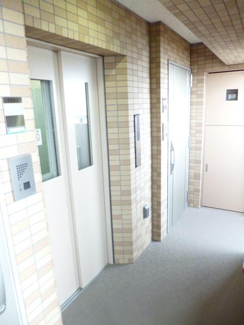 スカイコート駒沢大学駐車場