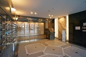 http://image.rentersnet.jp/19b6746b6bd0cdd3ef863ad79819138d_property_picture_962_large.jpg_cap_高級感のあるエントランス