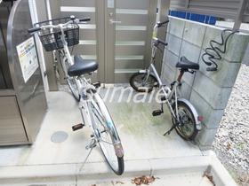 こちらに自転車が置けます♪