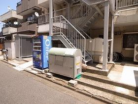 ☆ゴミ置場と自動販売機☆