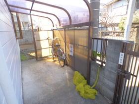 駐輪場、ごみ置き場