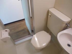 トイレも明るく綺麗です!