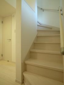 階段を上がって居室に☆