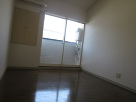 http://image.rentersnet.jp/1d27bf6e752200b72b4be24bd3327a5b_property_picture_958_large.jpg_cap_居室