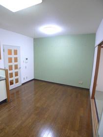 エバーグリーンコート 114号室