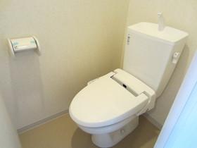 ウォシュレット付きのおトイレです