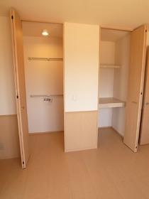 洋室6帖の収納スペースは利便性よし!
