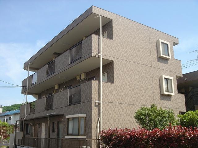 鉄筋コンクリート造タイル張りの外観!