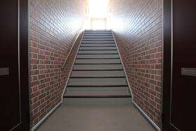 屋内に階段があります