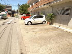 駐車スペースも広々☆