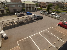 敷地内に駐車場あります!