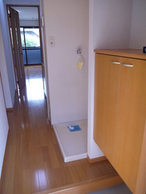 http://image.rentersnet.jp/22cb1340-210f-42f5-b6cb-0d8d1375e8e4_property_picture_2419_large.jpg_cap_玄関