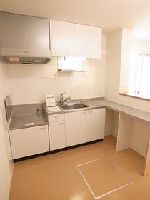 魅惑のL字型キッチン 1階は床下収納付き