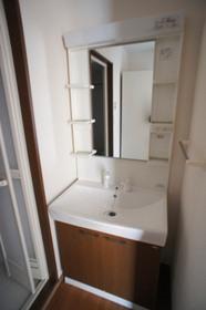 http://image.rentersnet.jp/264192fe-c51d-4ba3-ad7e-0cdbdd7062e2_property_picture_961_large.jpg_cap_独立洗面台完備、シャンプードレッサー付き