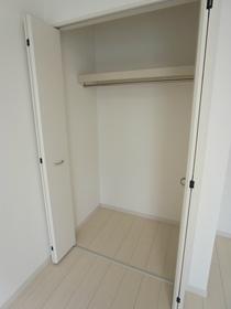 リブリ・エアポート 206号室