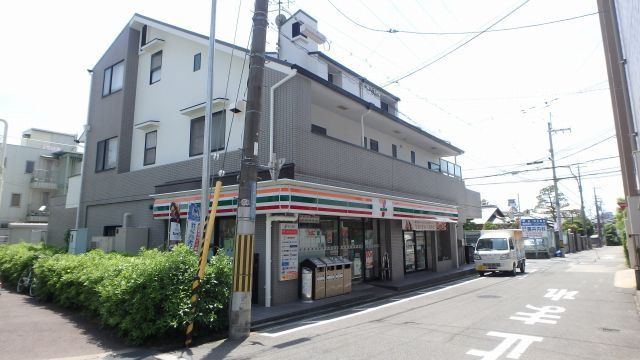 セブンイレブン大阪空港前店